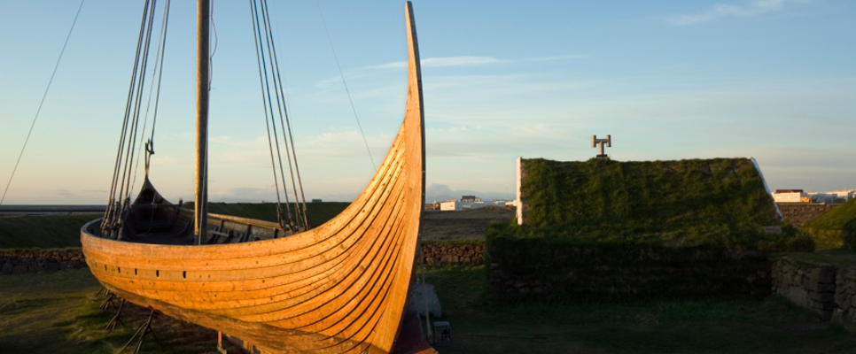 Rekonstruiertes Wikingerschiff