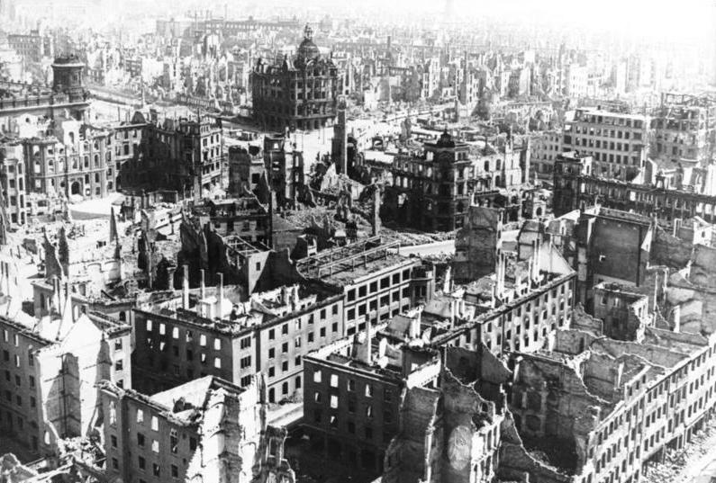 Dresden 1945: Tod aus  der Luft